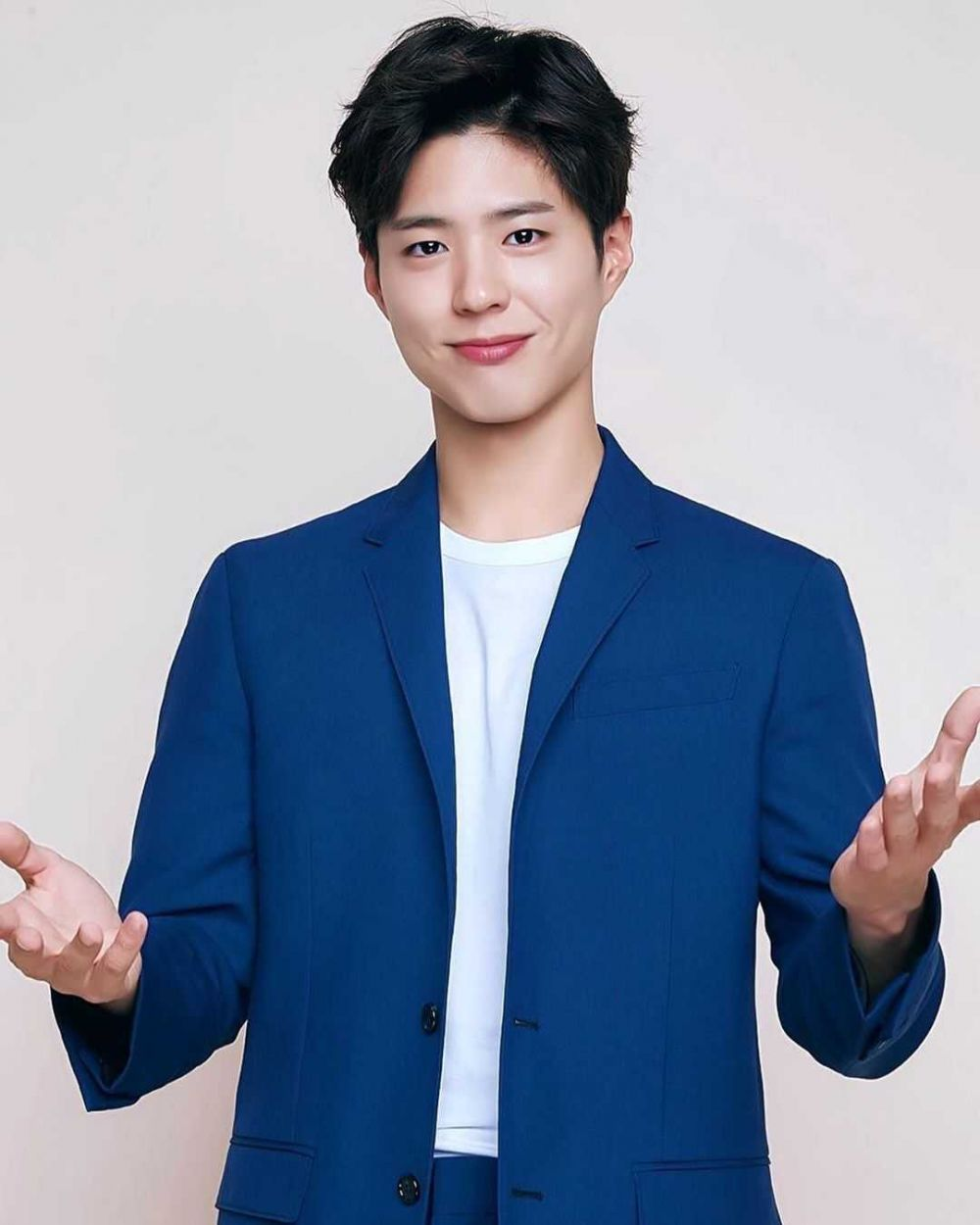 10 Potret Park Bo Gum yang Akan Jadi Model di Drama 'Record of Youth'