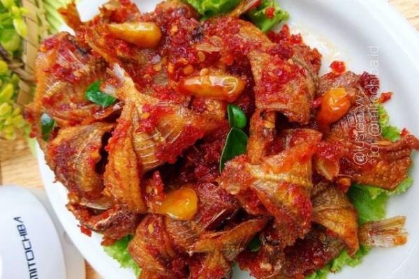 Resep Balado Ikan Asin Kapas, Lauk Pedas Sederhana yang Bikin Nagih!