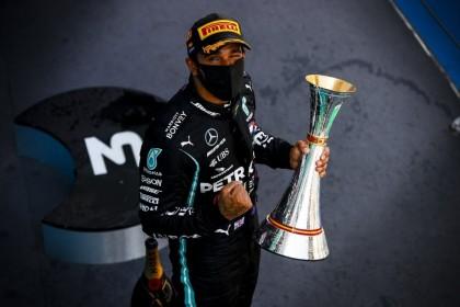 [BREAKING] Lewis Hamilton Cetak Rekor Kemenangan ke-100 GP Rusia
