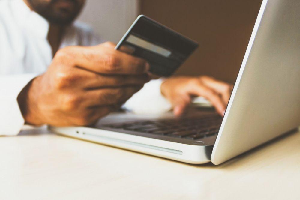8 Kebiasaan Sepele yang Bikin Keuangan Morat-marit dan Cepat Miskin