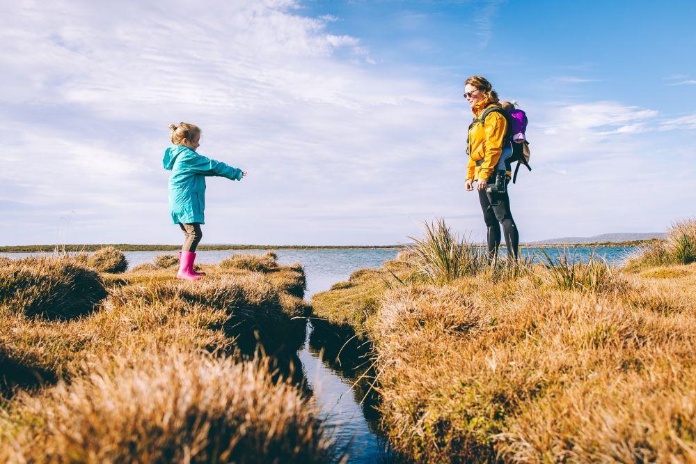 Berdampak Buruk, Ini 5 Tanda Kamu Termasuk Orang Tua Over Protektif