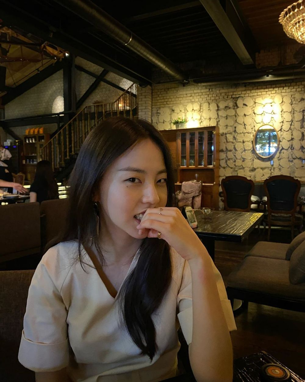 10 Pesona Ahn So Hee, Hacker Kece di KDrama 'Missing: The Other Side'