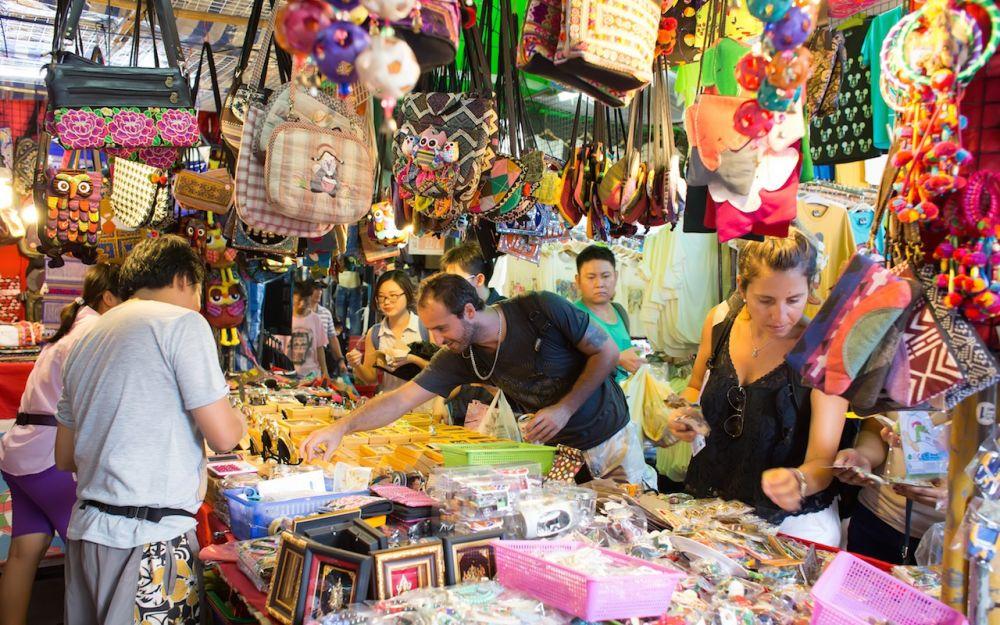 01 chatuchak weekend market 53603f41ed98c5bf42d2fd18c4755efa - Tempat Shopping di Bangkok yang Bikin Dompet Jungkir Balik