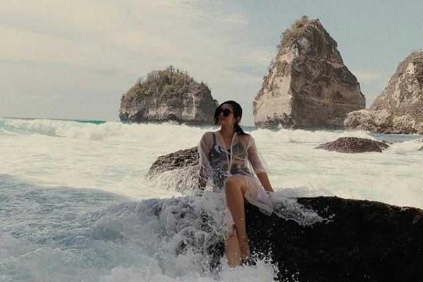 Doyan Plesiran, 10 Potret Ranty Maria Jadi Anak Pantai Super Kece