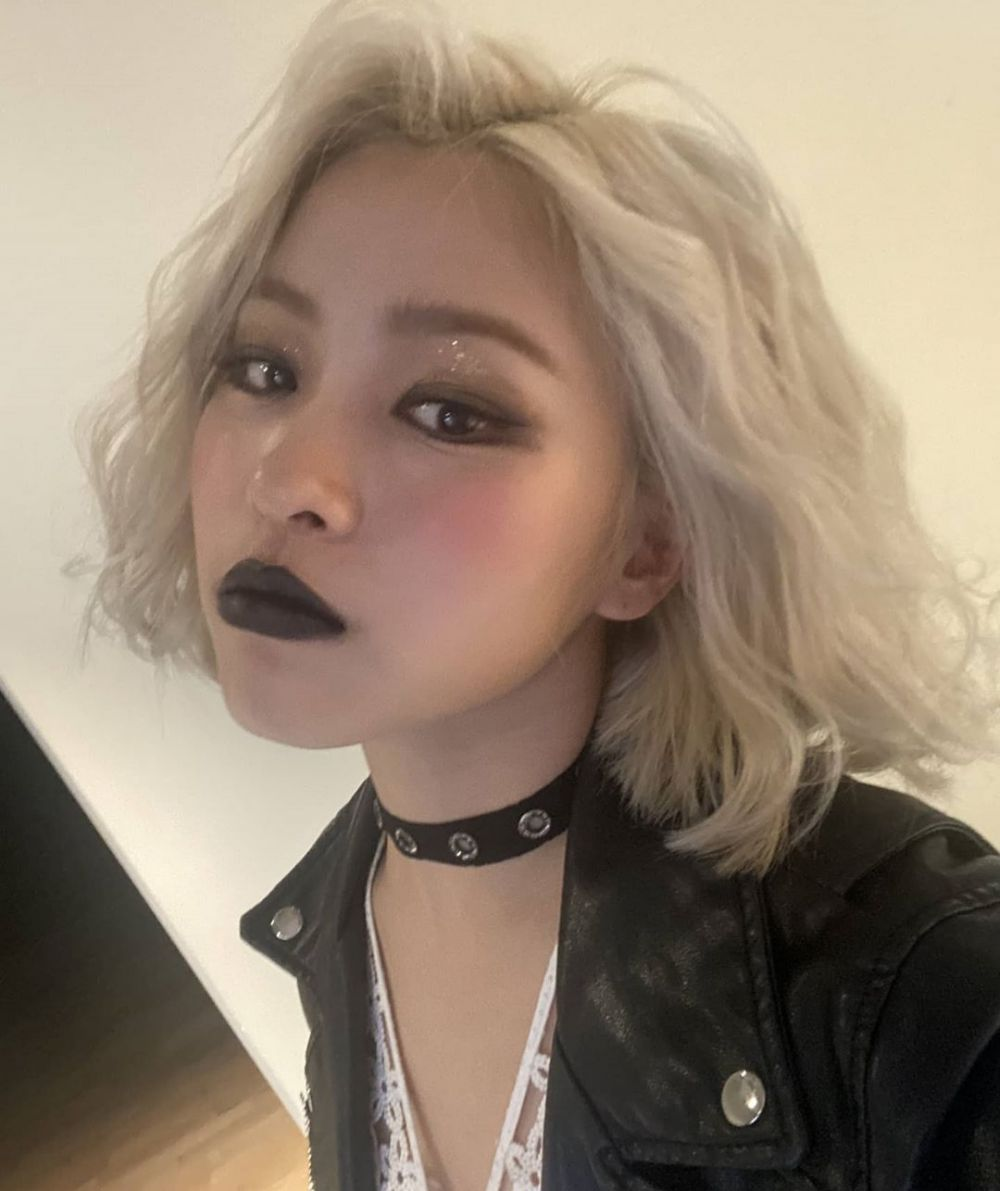 9 Potret Ryujin ITZY dengan Lipstik Hitam, Unik dan Curi Perhatian!