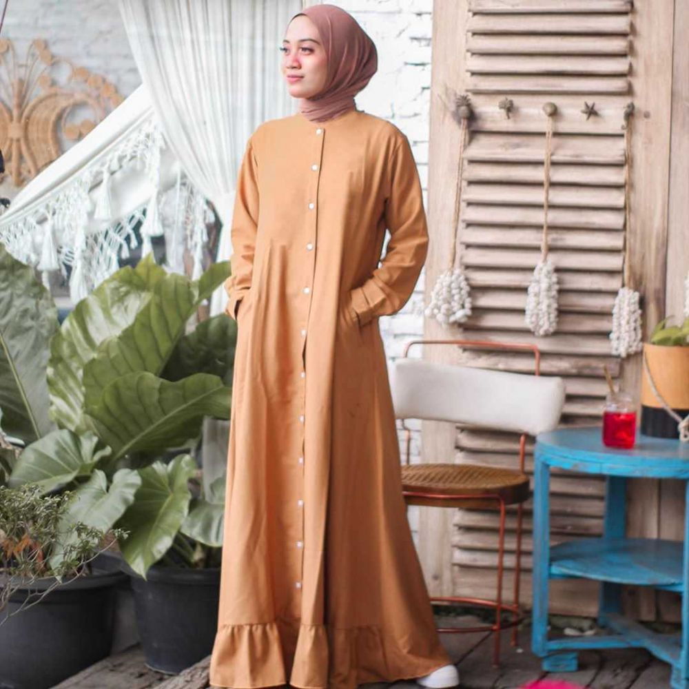 Segar, 10 Ide Mix & Match Outfit Warna Orange ala Desiana Suryana