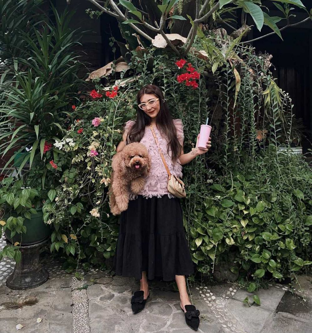 Bye Ribet, Intip 10 Ide Mix and Match Skirt ala Blogger Clara Devi