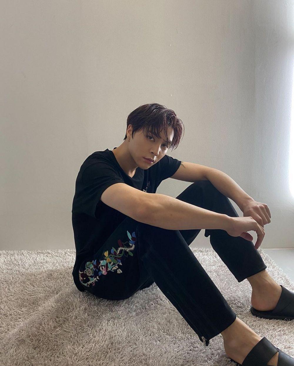 NCT Segera Rilis Album, 9 Ide Gaya Kasual hingga Formal ala Johnny