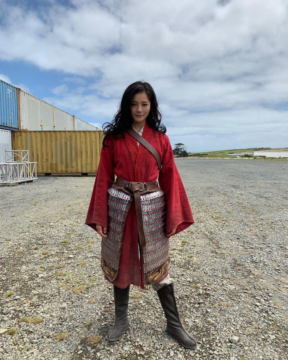 10 Potret Kece Liu Yaxi, Pemeran Pengganti Liu Yifei di Film 'Mulan'