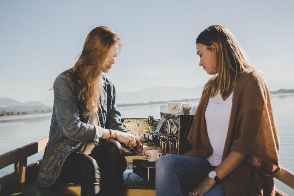 Berbagi Kebahagiaan Juga Harus Lihat Situasi, Ini 5 Penjelasannya
