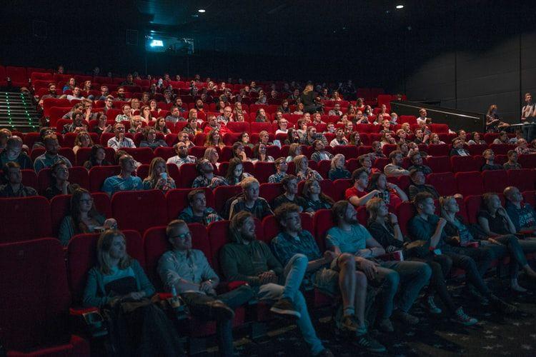 IWF 2020: 5 Kiat Menuangkan Tulisan ke Dalam Film ala Fajar Nugros