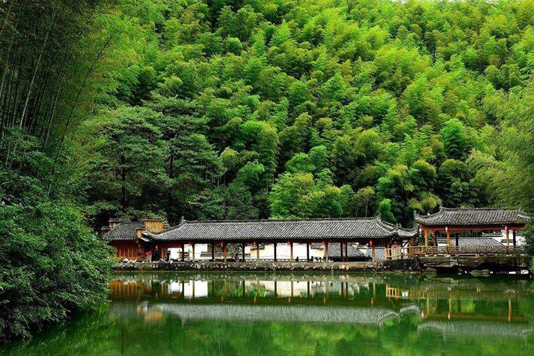 7 Wisata Kota Huangshan di Tiongkok, Ada Gua Cantik yang Misterius!