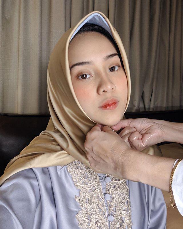 Biasa Tampil Seksi, 10 Potret Pangling Anya Geraldine saat Pakai Hijab