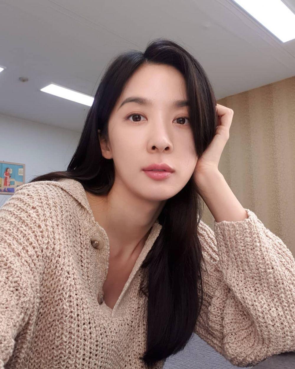 9 Potret Lee Chung Ah Jadi Agen FBI di KDrama 'Awaken', Kece Maksimal!