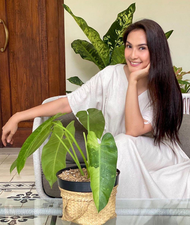 9 Potret Terbaru Maudy Koesnaedi, Semakin Stunning di Umur 45 Tahun