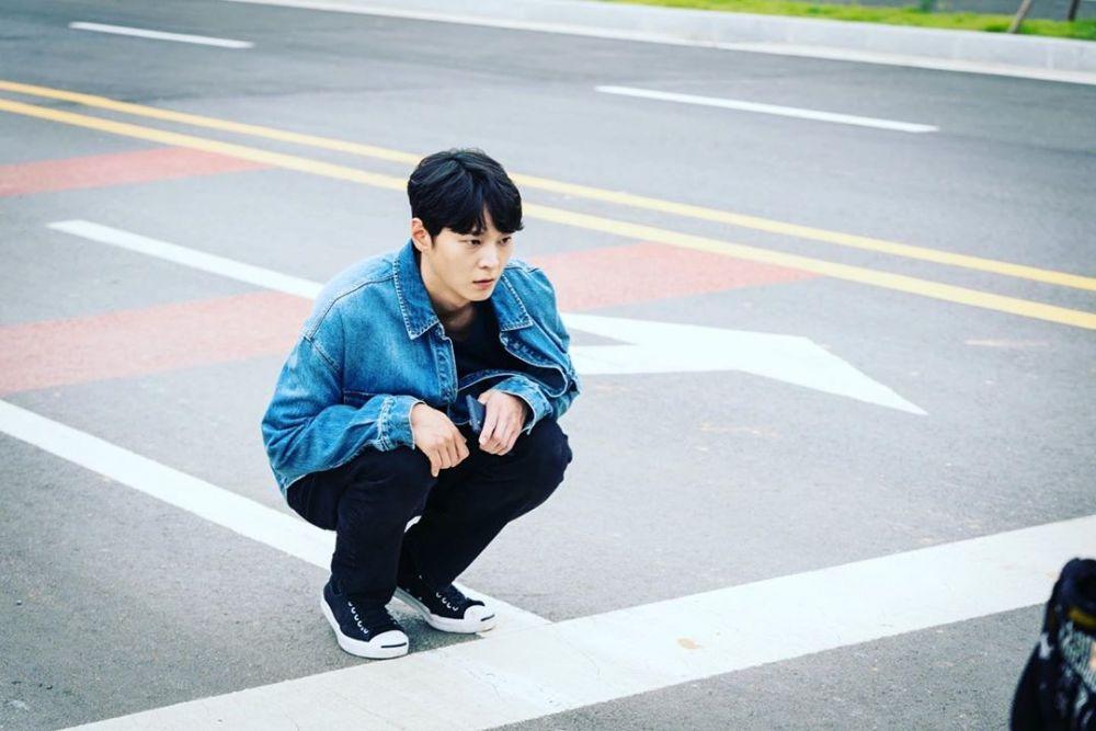 10 Ide OOTD Kasual Joo Won, Pemeran Detektif Kece di KDrama Alice