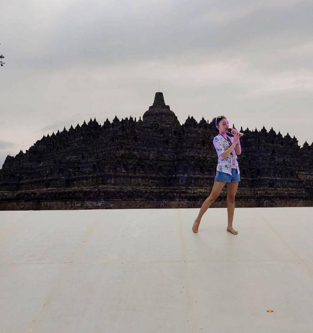 Liburan Tipis-tipis, 10 Potret Keluarga Nola Be3 di Yogyakarta
