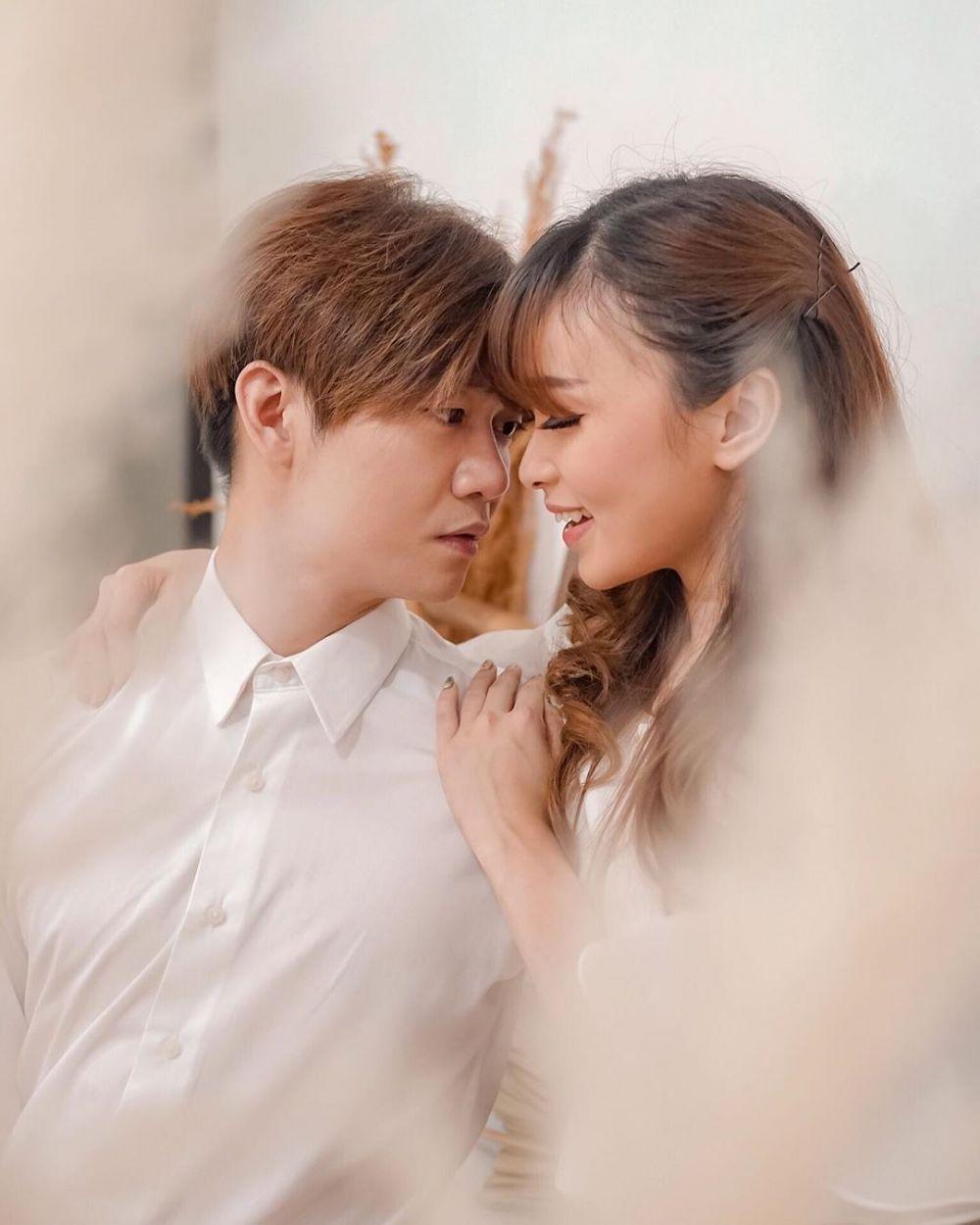 Bak Masih Pacaran, 9 Potret Mesra Angel Eks Cherrybelle bersama Suami
