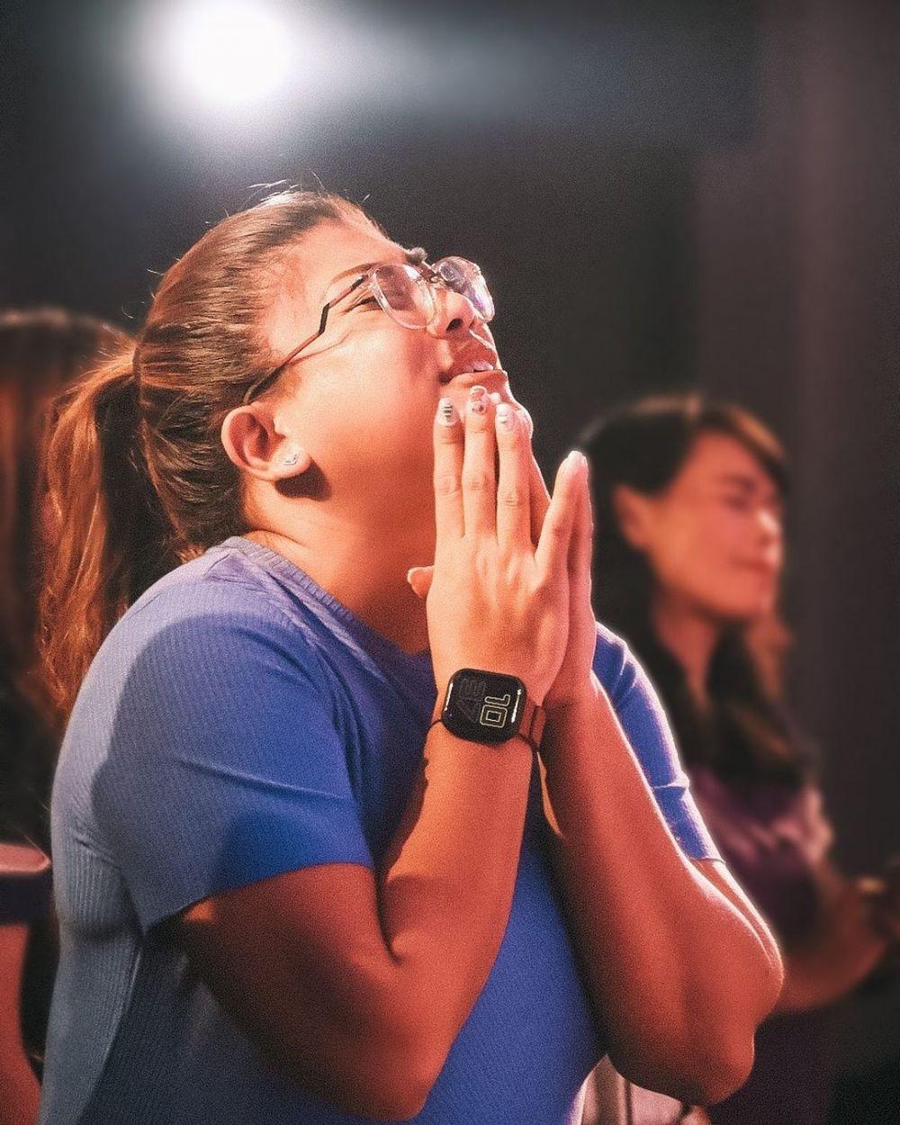 Gak Banyak yang Tahu, 10 Artis Ini Ternyata Penyanyi Gereja