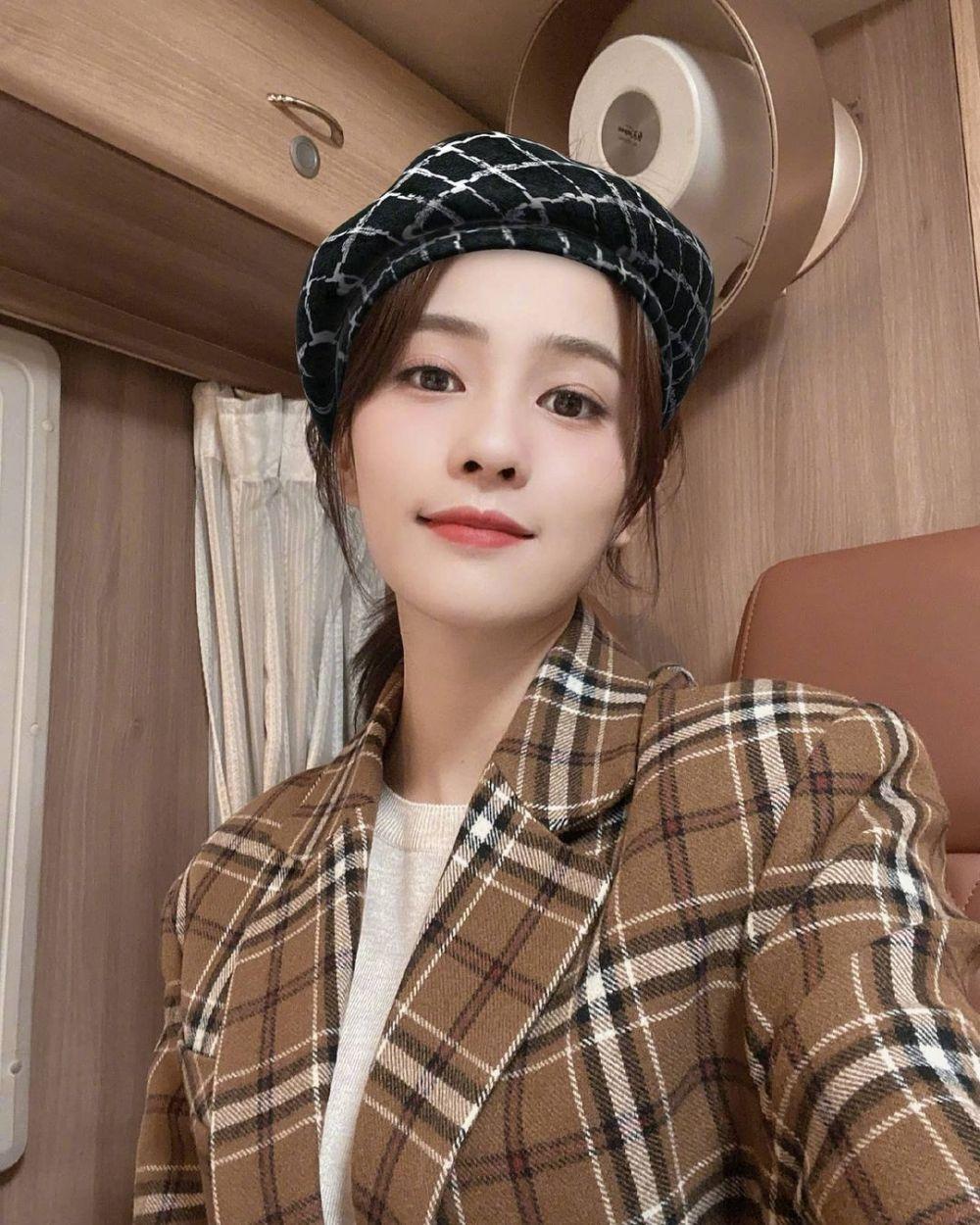 10 Fakta Bai Lu, Sosok Karyawan Memesona di CDrama Love is Sweet
