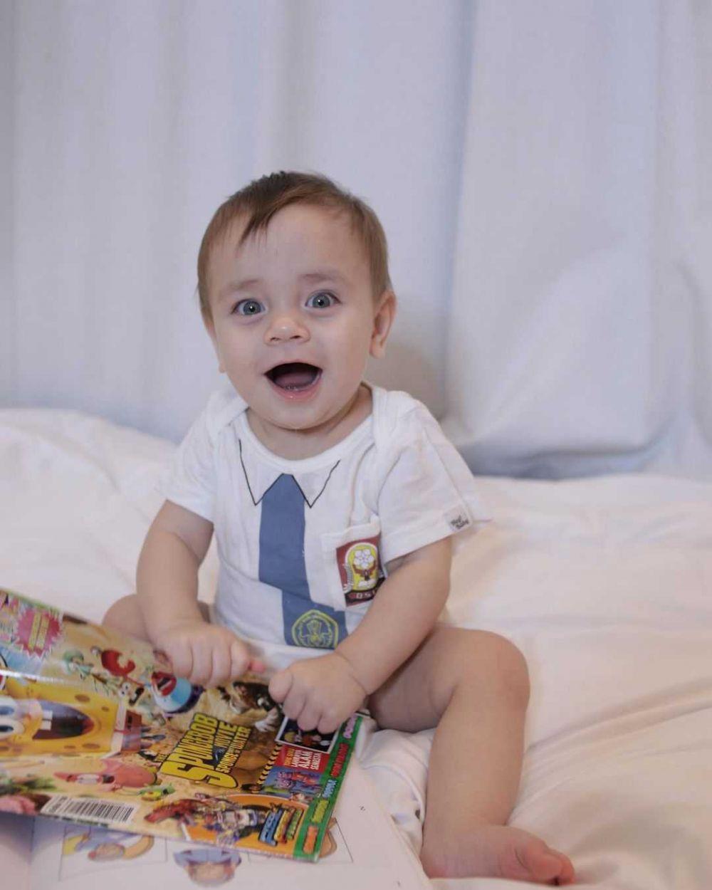 9 Potret Gemas Koa, Anak Bungsu Stefan William yang Genap Setahun