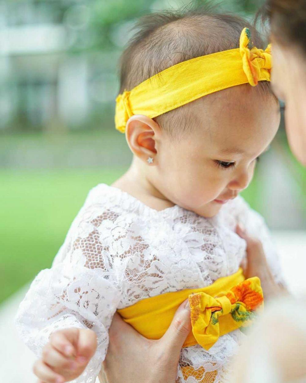 9 Potret Imut Claire, Putri Shandy Aulia Saat Kenakan Baju Adat Bali