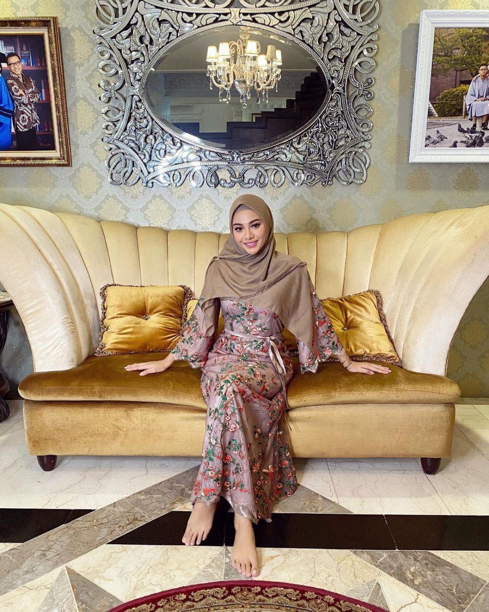 10 Potret Aurel Hermansyah Mengenakan Hijab, Bikin Hati Adem!