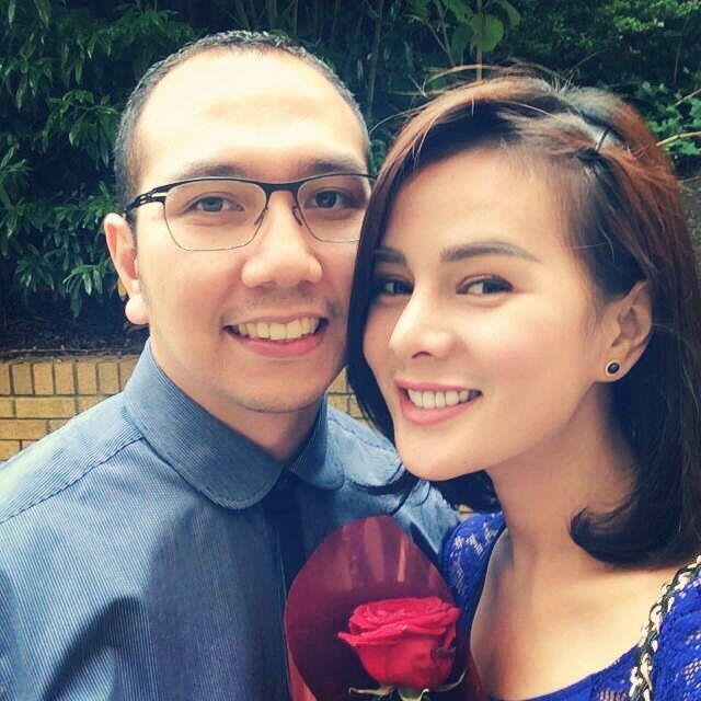 Jarang Disorot, 10 Potret Mesra Astrid Tiar Bersama Suami Tercinta