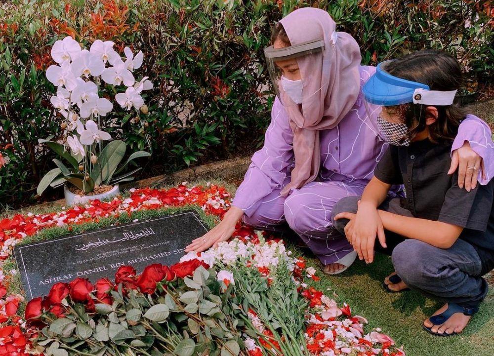 9 Bulan Setelah Kepergian Ashraf, 10 Potret BCLKembali Berkarya
