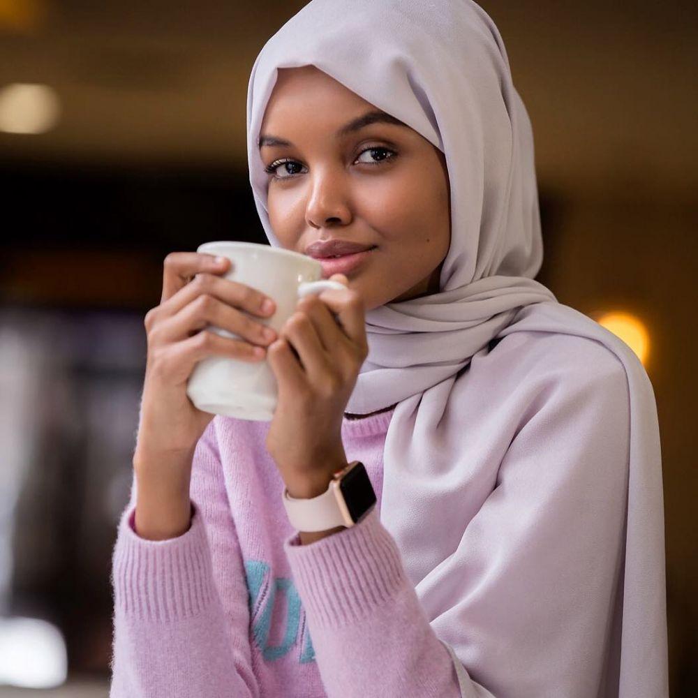 Peserta Berhijab Pertama, 10 Pesona Halima Aden Miss Universe Somalia