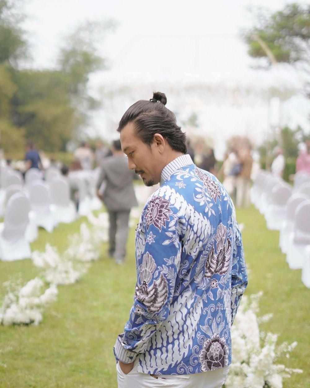 Resmi Menikah, 10 Potret Denny Sumargo yang Kian Gagah dan Memesona
