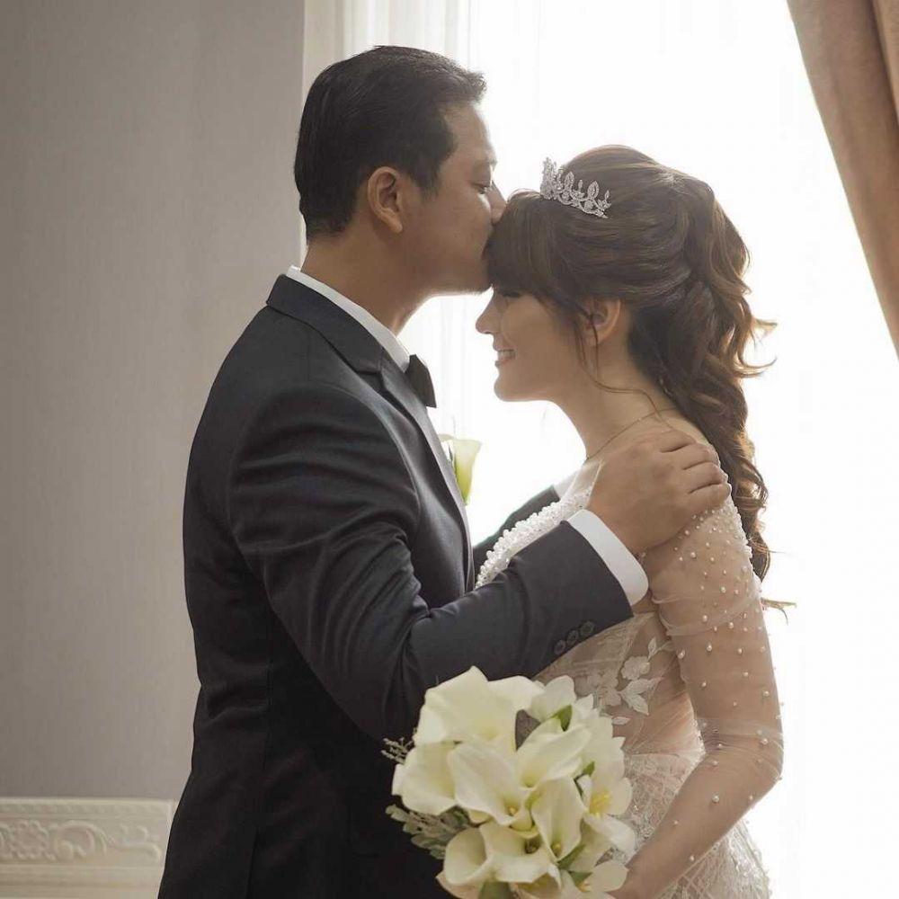 Jago Ngulek Sambal, Ini 9 Potret Aktivitas Angela Lee Setelah Menikah
