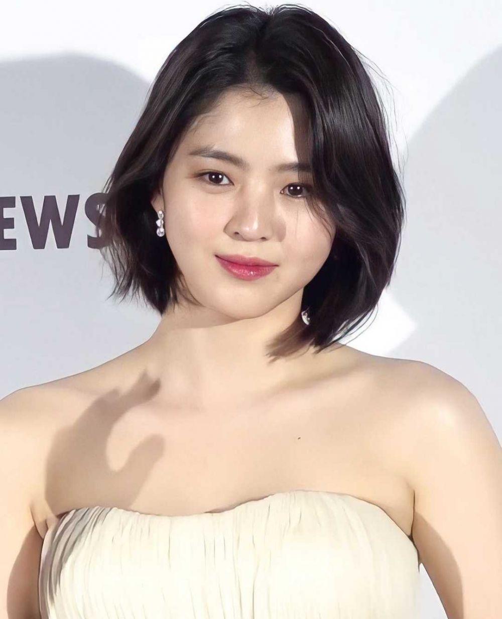 Menang di Asia Artist Awards, 9 Potret Han So Hee dengan Rambut Pendek