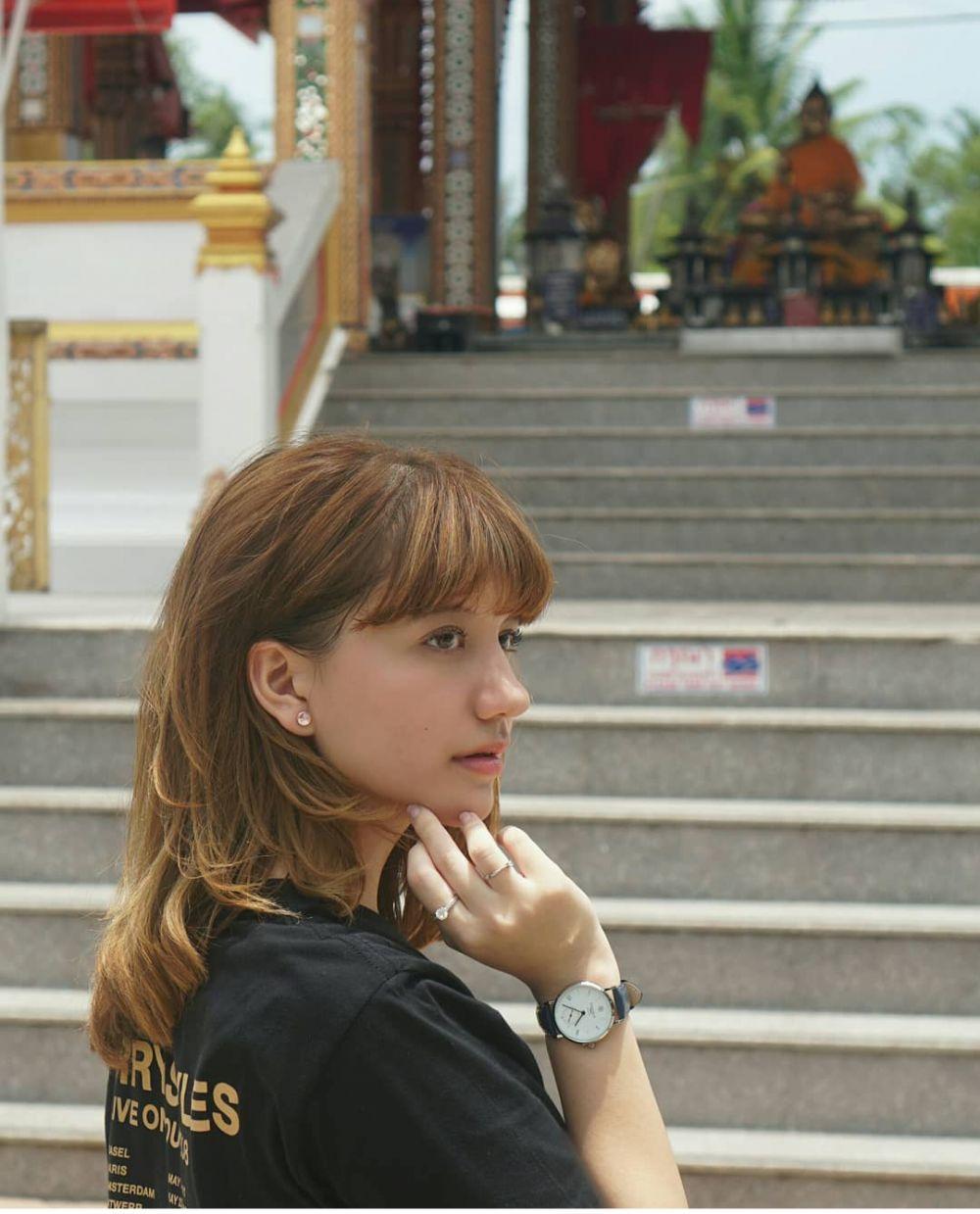 9 Potret Menawan Cassandra Lee dengan Rambut Poni, Imut Parah!