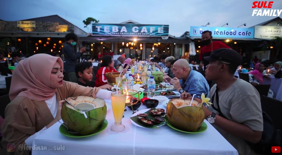 10 Momen Romantis Bulan Madu Sule dan Nathalie Holscher di Bali