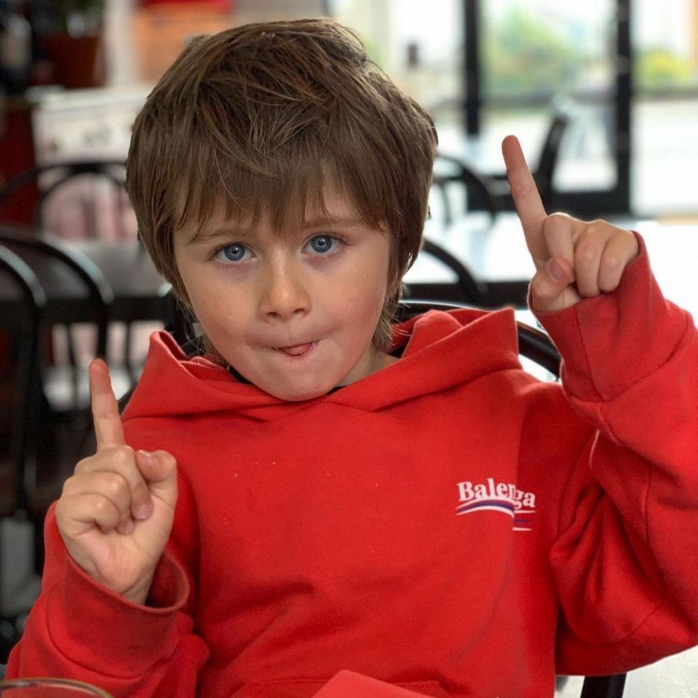 9 Potret Theo Horan, Keponakan Niall Horan yang Lucu dan Menggemaskan!