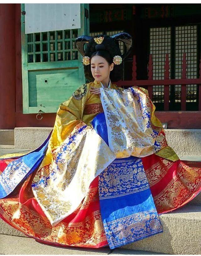 7 Pernak Pernik Baju Pengantin Tradisional Korea yang Sarat Makna