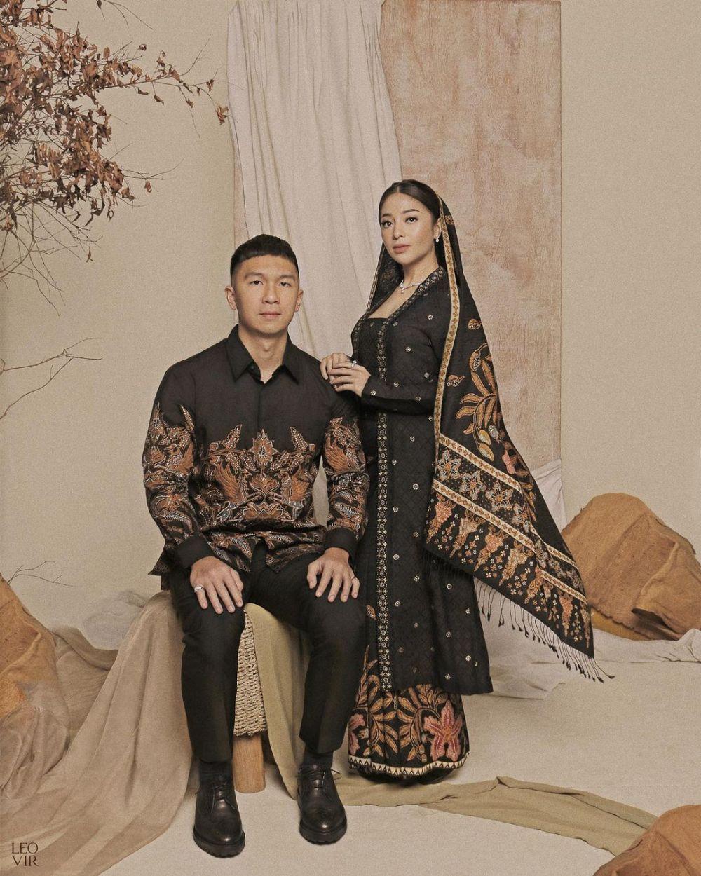 Awalnya Dicomblangin, 9 Pasangan Artis Ini Akhirnya Menikah