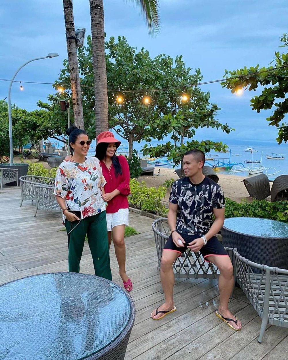 10 Momen Titi Kamal, Samuel Rizal & Marcella Zalianty Liburan di Bali