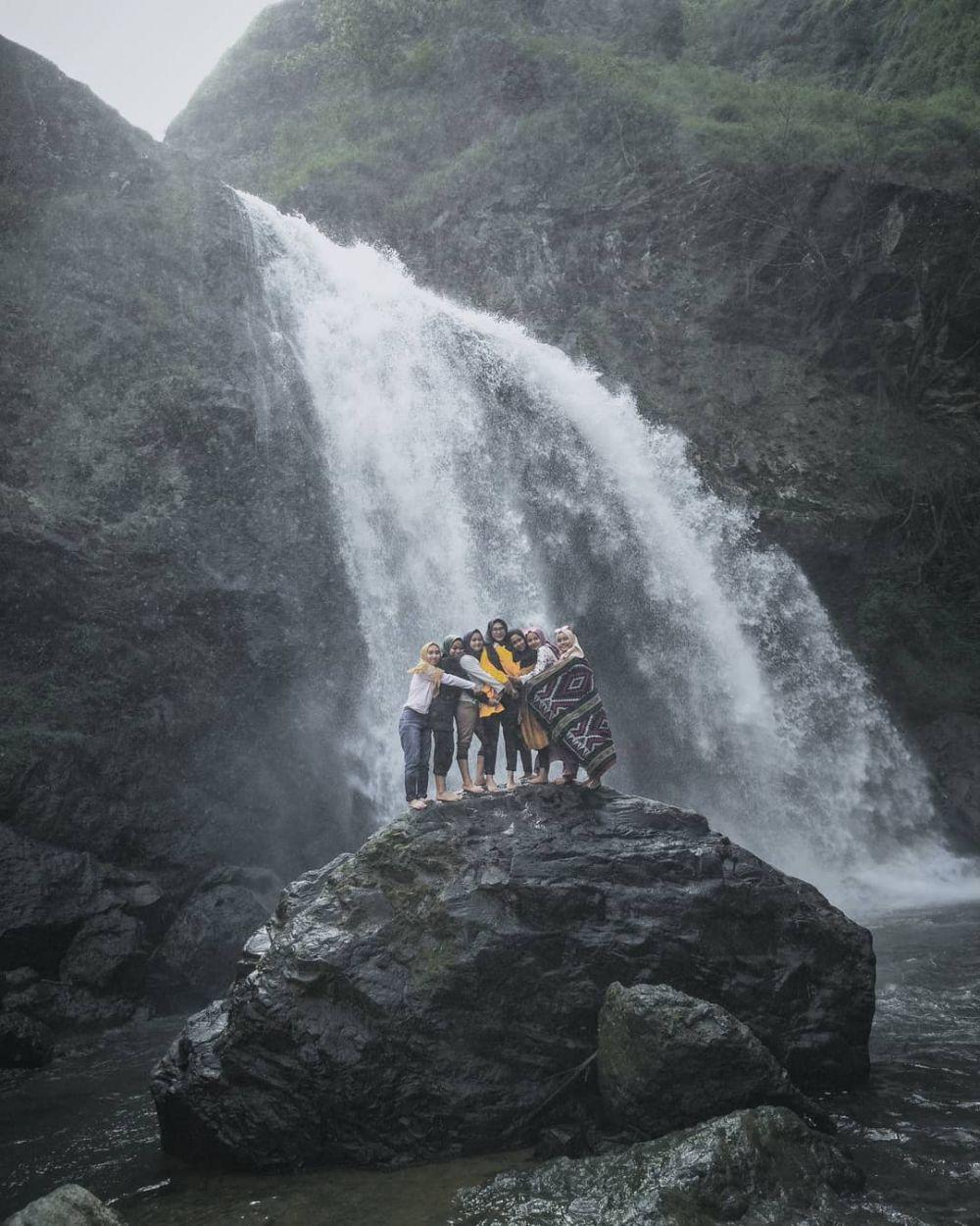 5 Air Terjun Paling Indah di Garut Selatan, Nyegerin Banget!