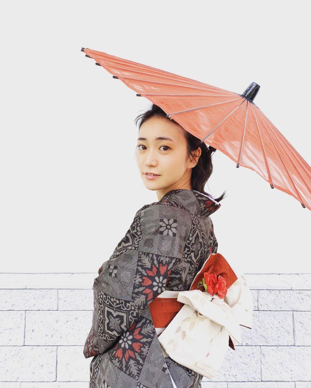 9 Pesona Yuko Oshima, Eks Member AKB48yang Awet Muda di Usia 30-an