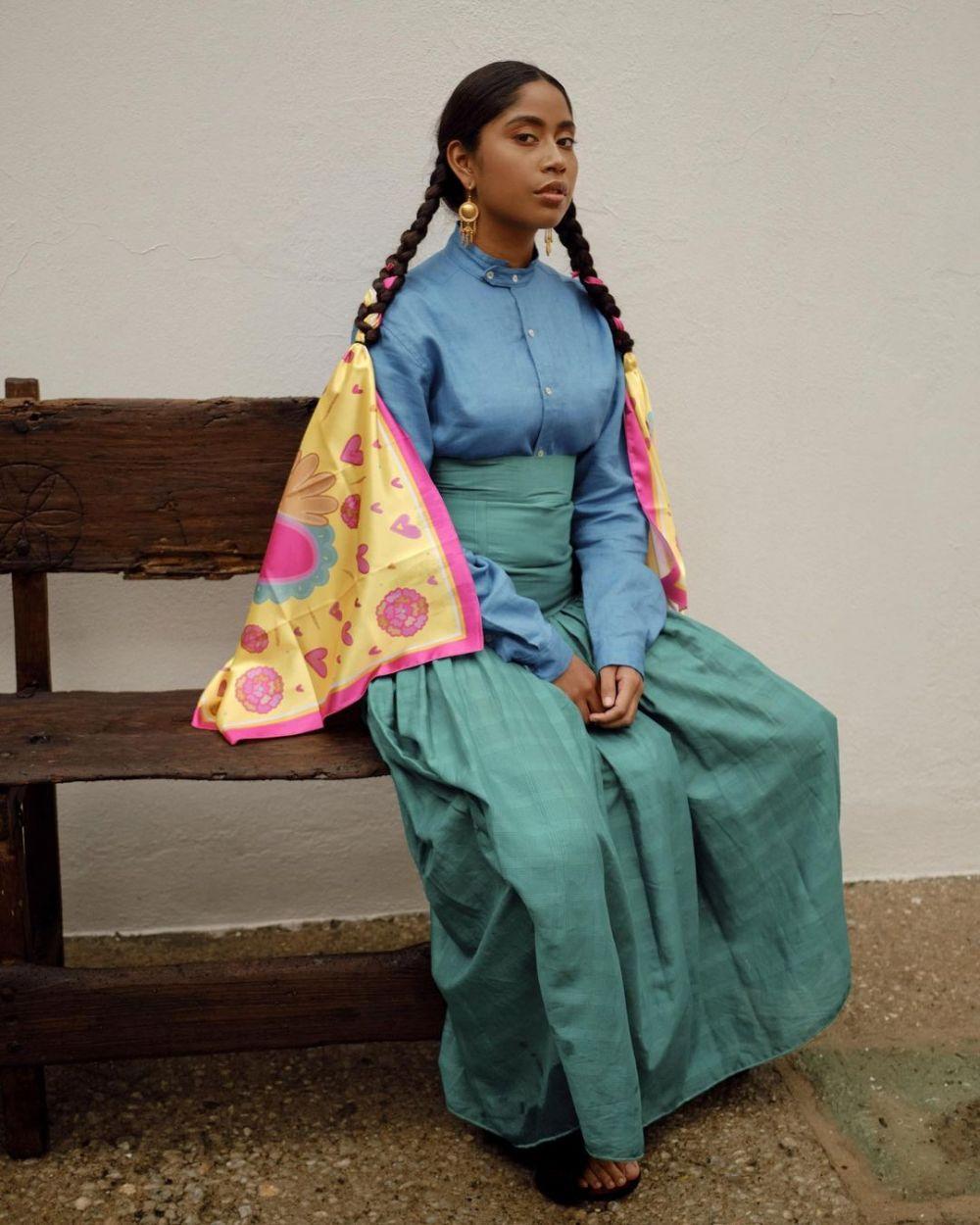 11 Potret Karen Vega, Model Meksiko yang Bangga dengan Identitasnya