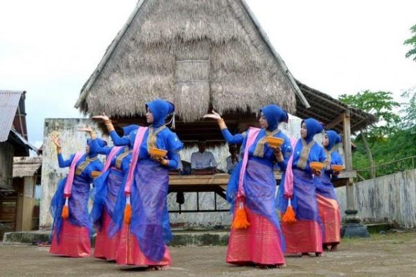 Mengenal 5 Tradisi Unik Suku Bima yang Tak Banyak Orang Tahu