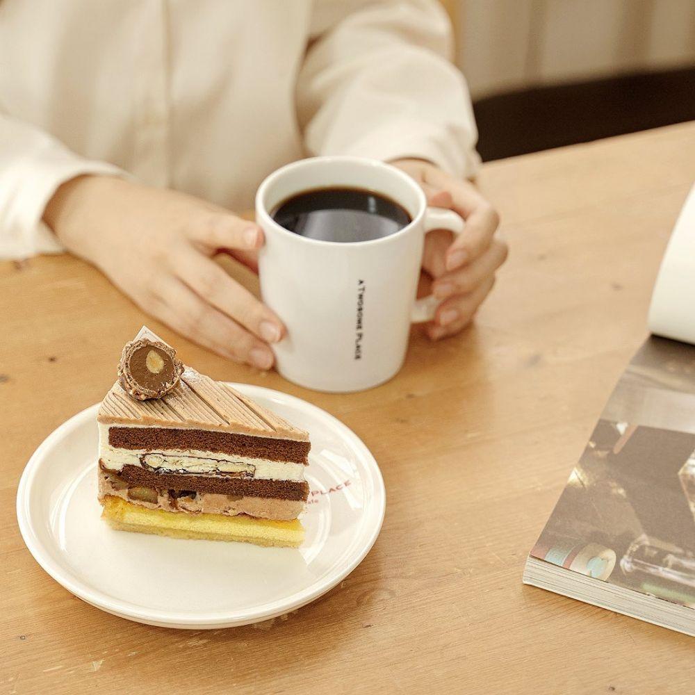 Punya Menu Lengkap, Ini 7 Kafe Asal Korea Selatan yang Paling Populer