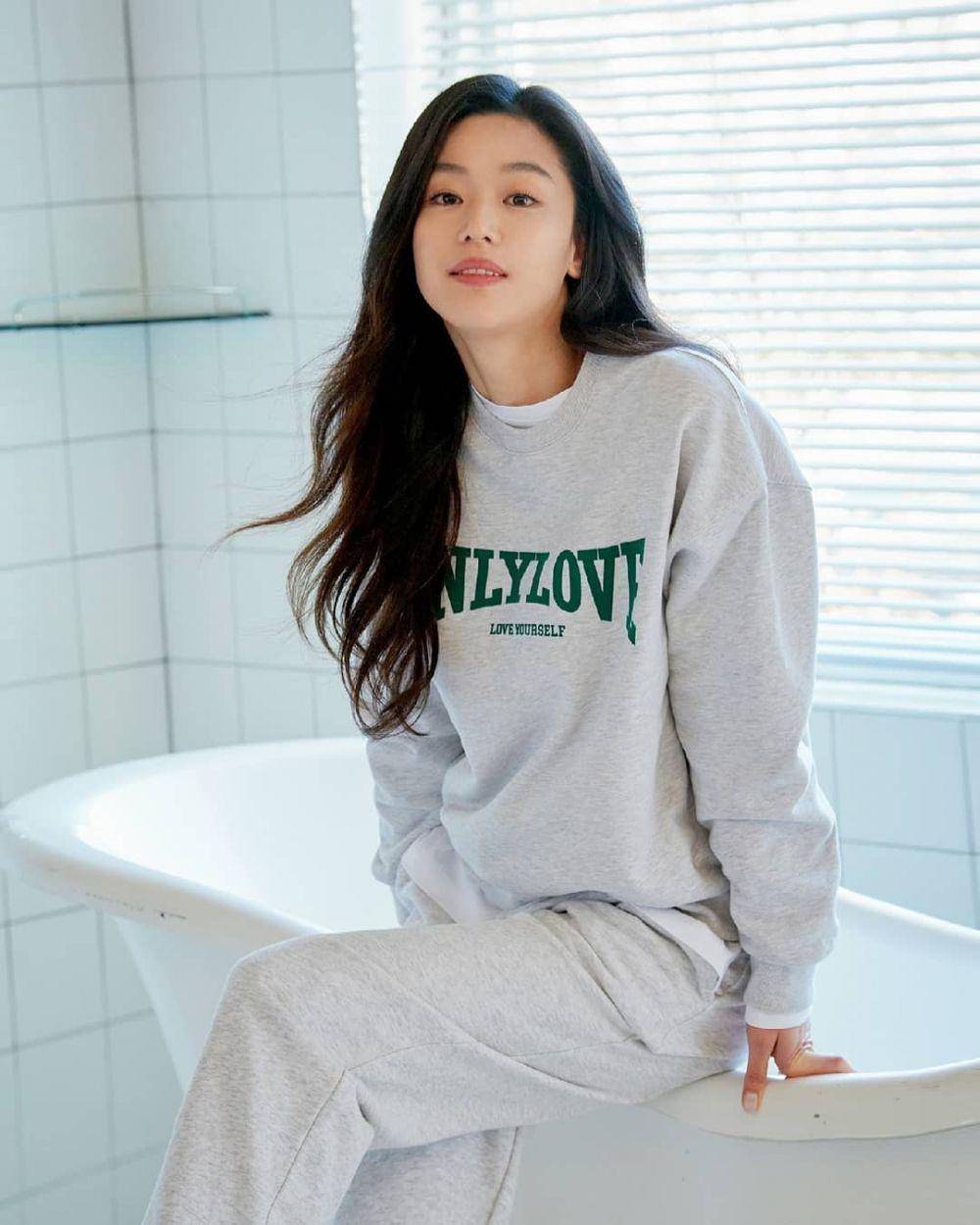 Ibu 2 Anak, 10 Adu Pesona Jun Ji Hyun dan Eugene yang Tampil Awet Muda