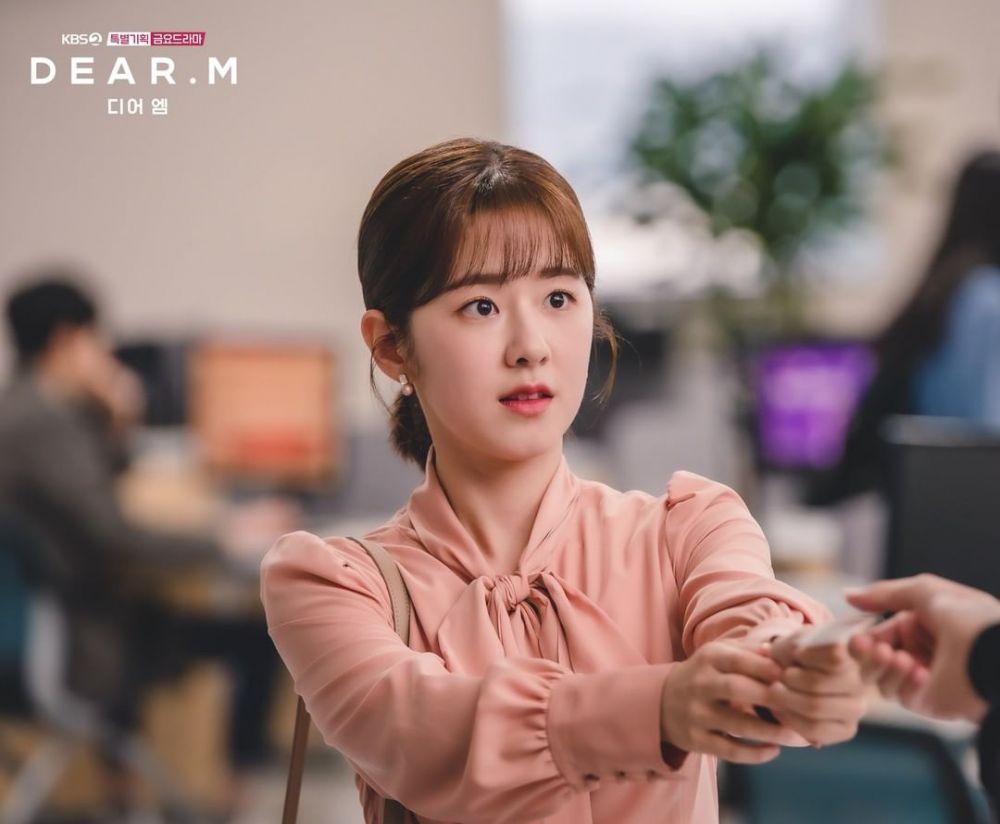 10 Potret Karakter Park Hye Soo, Gadis Ceria di Web Drama 'Dear M'