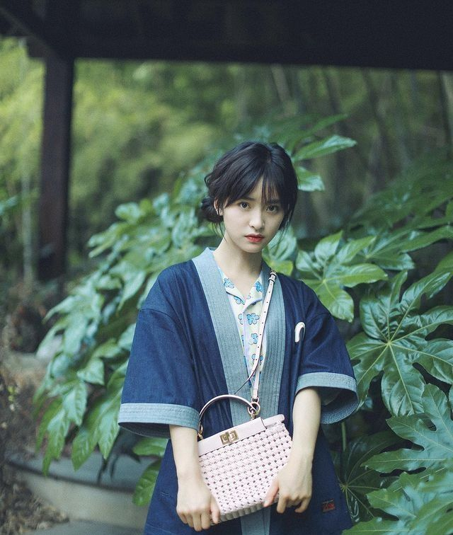 9 Potret Shen Yue, Pemeran Shi Shuang Jiao di CDrama Use For My Talent
