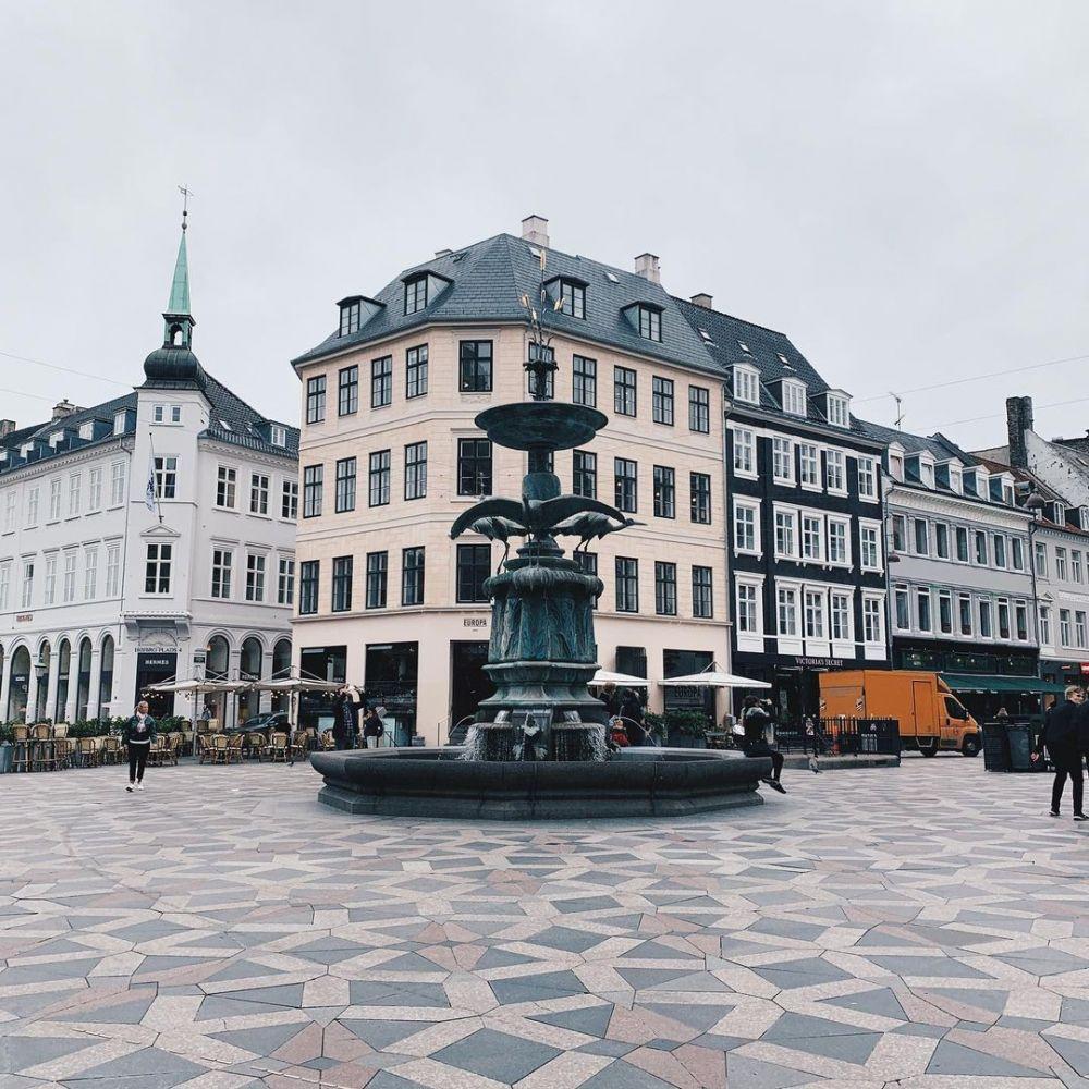 Denmark Kembangkan Paspor Digital Bagi Warga yang Sudah Divaksinasi