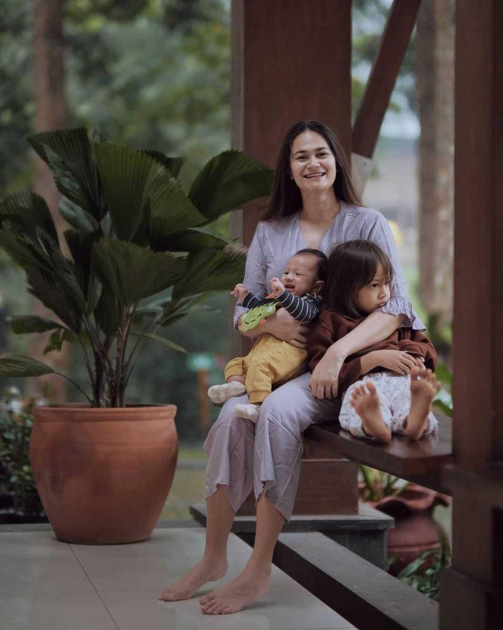 10 Potret Kompak Kedua Anak Ringgo Agus dan Sabai, Akur Saling Sayang!