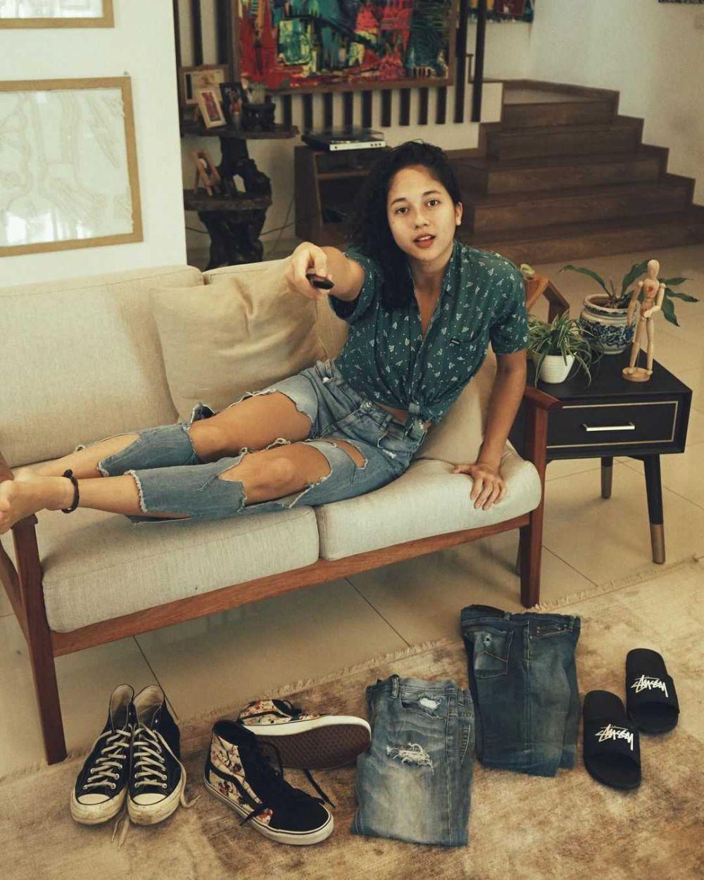 10 Inspirasi Outfit KeceAla Sitha Marino, Adik Putri Marino